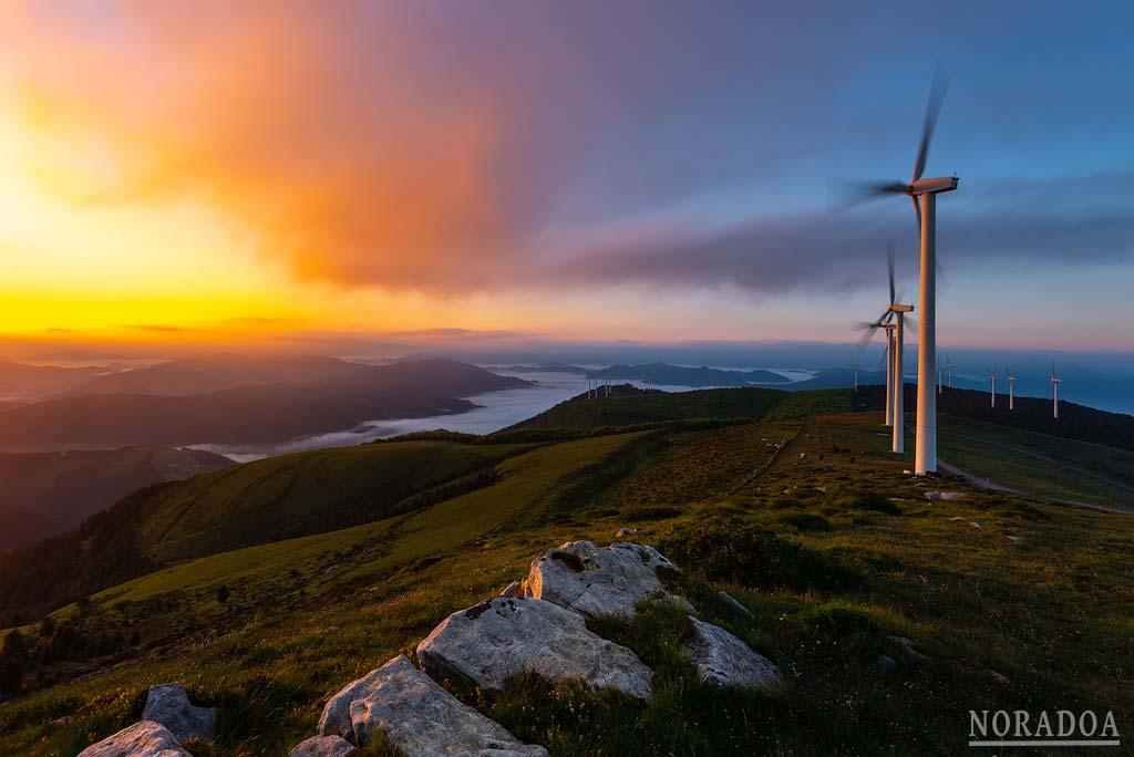Monte Oiz al amanecer