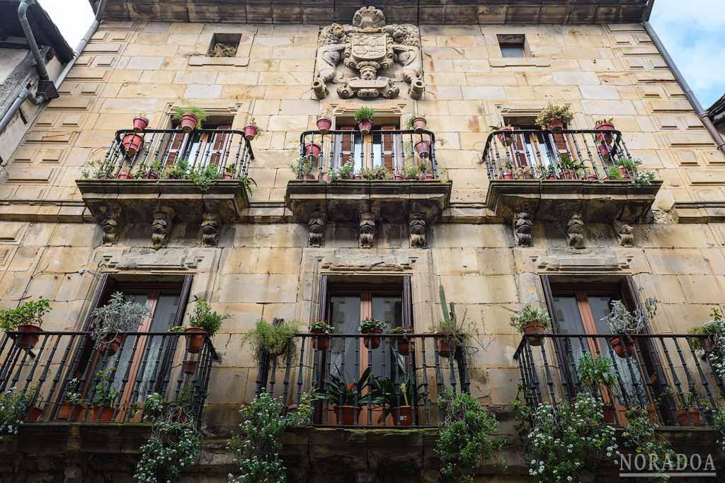 El palacio Jauregi es uno de las numerosas casas nobles del casco histórico de Segura