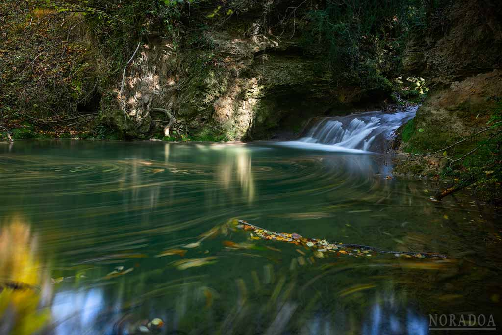 Cascada en la Ruta del Agua de Berganzo