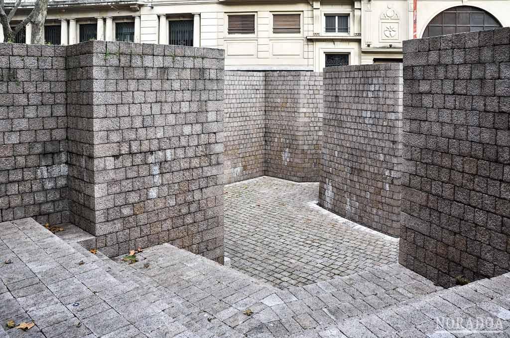 La plaza de los Fueros es la plaza más importante del Ensanche vitoriano