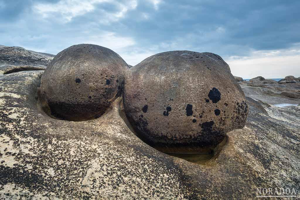 Paramoudras en la playa de los Fósiles de Jaizkibel