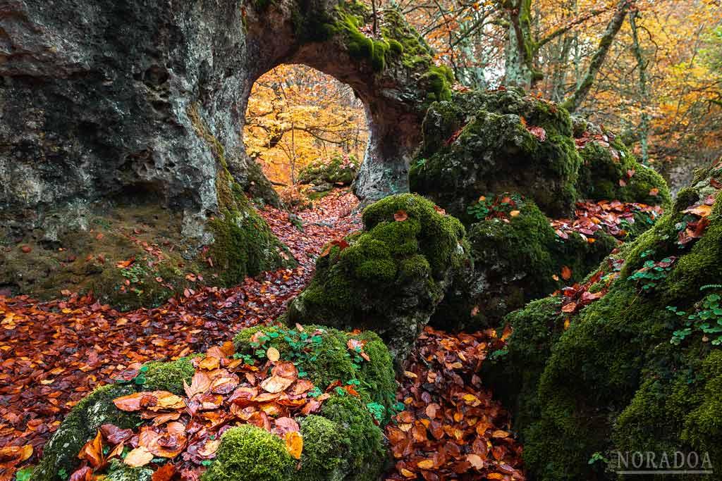 Arco de Zalamportillo en la sierra de Entzia