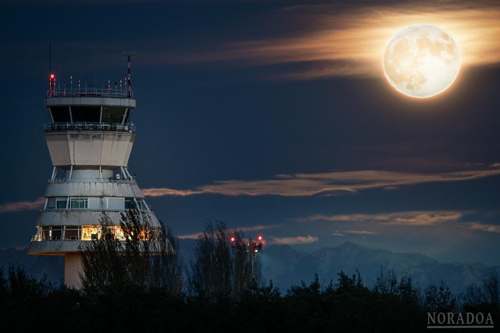 Torre de control del aeropuerto de Foronda