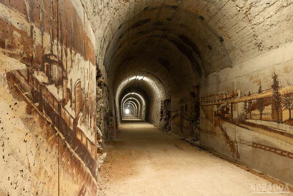 Pinturas del túnel de Leorza-Cicujano, obra de Irantzu Lekue
