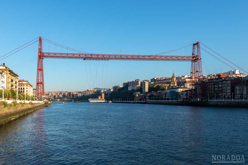 Puente Colgante visto desde el barrio de Las Arenas de Getxo
