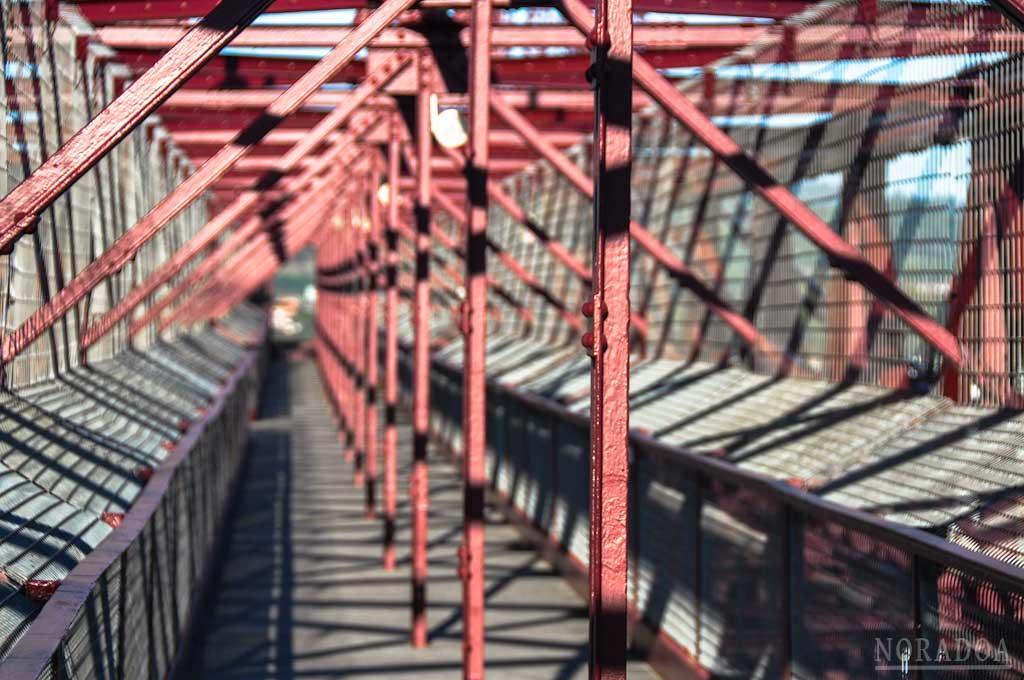 Pasarela peatonal del Puente Bizkaia
